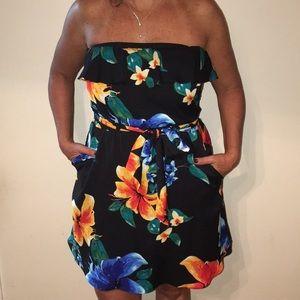Dresses & Skirts - White House Black Market Floral Strapless Dress